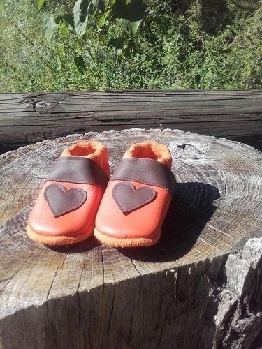 Makerist - Herzpuschen aus Leder 💚 - Nähprojekte - 3