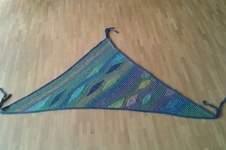 Makerist - traumhaftes Tuch für eine Freundin zum Geburtstag. Aus Schurwolle,  nach einer Anleitung von Petra Neumann - 1