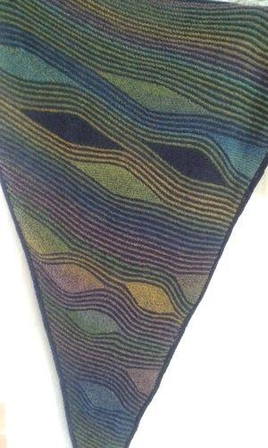 Makerist - traumhaftes Tuch für eine Freundin zum Geburtstag. Aus Schurwolle,  nach einer Anleitung von Petra Neumann - Strickprojekte - 2