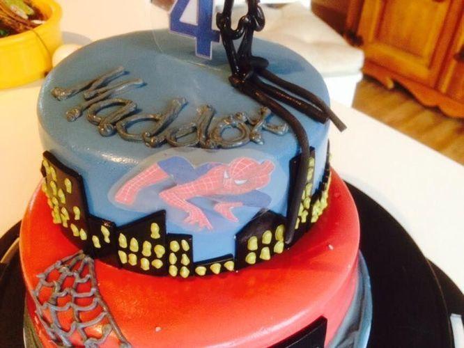 Makerist - Spiderman - Torten, Cake Pops und Cupcakes - 2