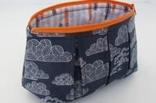 Makerist - Faltschick Täschchen mit blauem Wolkenstoff - 1