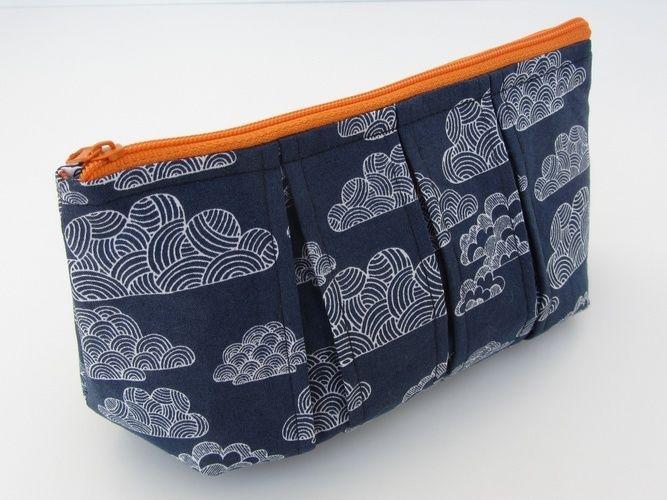 Makerist - Faltschick Täschchen mit blauem Wolkenstoff - Nähprojekte - 2