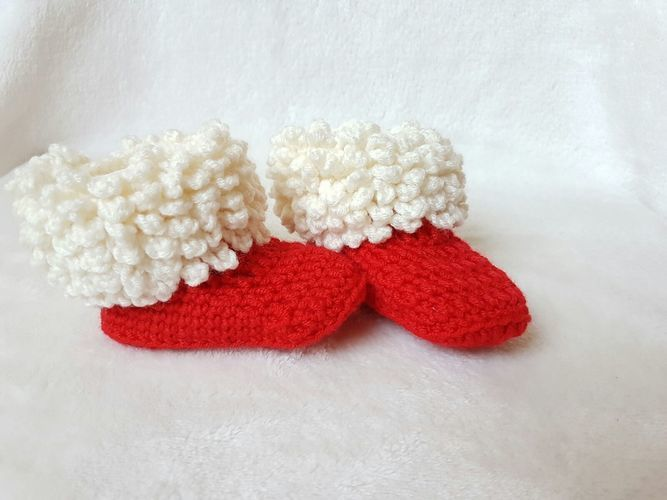 Makerist - Pelzstiefel oder gehören diese doch den Weihnachtsmann ? - Häkelprojekte - 1