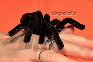 Makerist - Halloween-Spinne, knuddelig aus Pfeifenputzer/Chenilledraht - 1