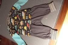 Makerist - Noch mal die klimperkleine checkerhose und der Regenbogenbody als Shirt - 1
