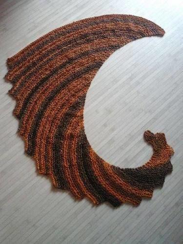 39 echarpe queue de dragon tricoter au point mousse 39 de. Black Bedroom Furniture Sets. Home Design Ideas