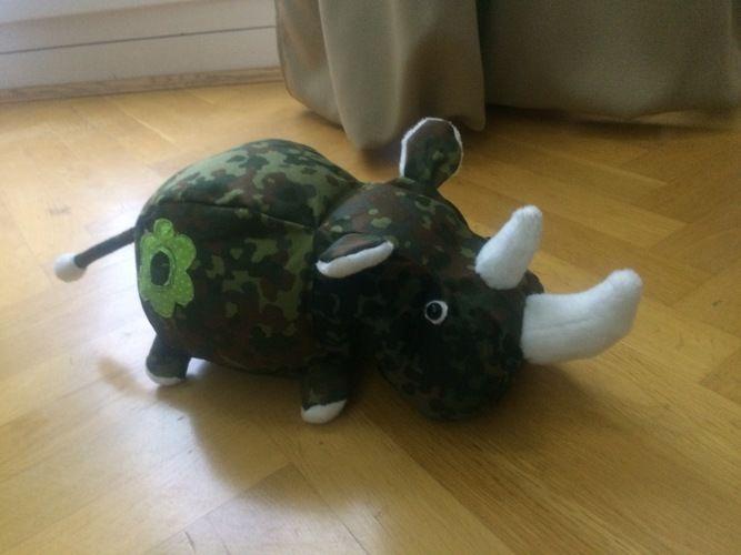 Makerist - Unser Rhino im BW-Look - Nähprojekte - 1