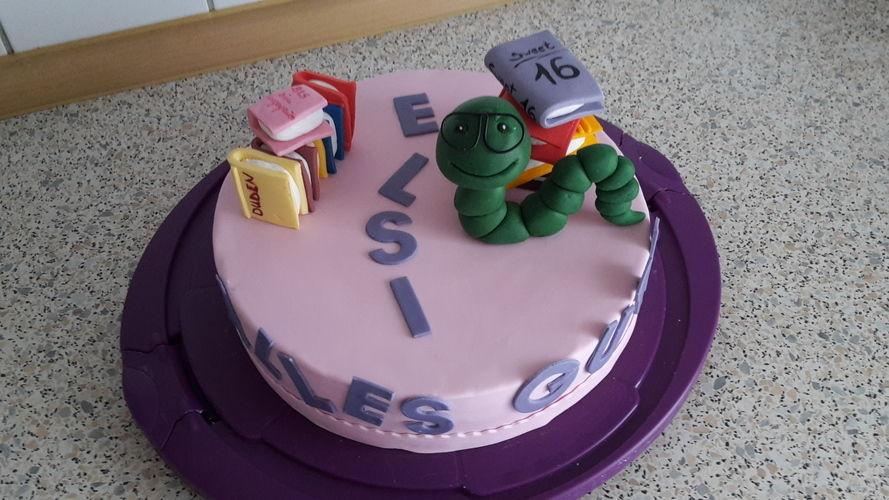 Makerist - Bücherwurm-Torte - Torten, Cake Pops und Cupcakes - 1