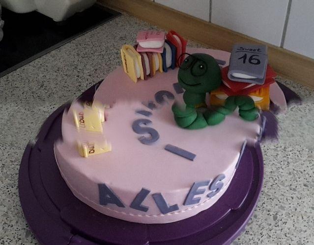 Makerist - Bücherwurm-Torte - Torten, Cake Pops und Cupcakes - 3