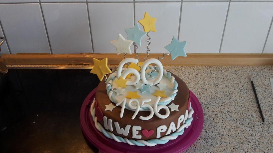 Makerist - Torte zum 60.igsten - Torten, Cake Pops und Cupcakes - 1