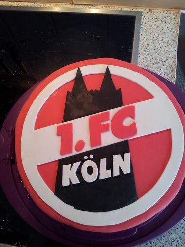 Makerist - 1.FC KÖLN Torte - Torten, Cake Pops und Cupcakes - 1