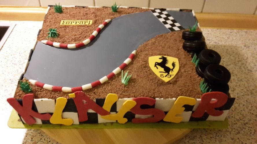 Makerist - Ferrari-Torte - Torten, Cake Pops und Cupcakes - 1