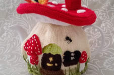 Makerist - Fairy Mushroom Tea Cosy for an average 4-6 cup tea pot - 1
