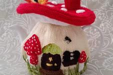 Makerist - Fairy Mushroom Tea Cosy for an average 4-6 cup tea pot - 1