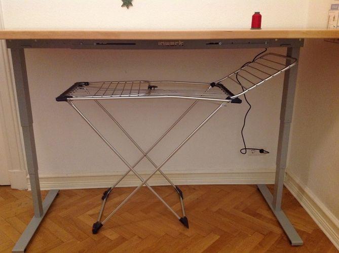Makerist - Näh- und Zuschneidetisch in einem,  Buchenleimholzplatte 4x90x220cm und elektrisches Tischgestell - Werkzimmer - 1