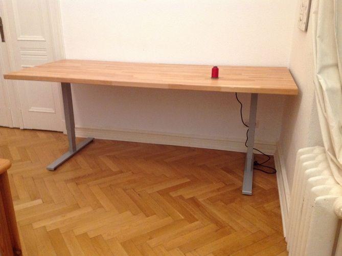 Makerist - Näh- und Zuschneidetisch in einem,  Buchenleimholzplatte 4x90x220cm und elektrisches Tischgestell - Werkzimmer - 2