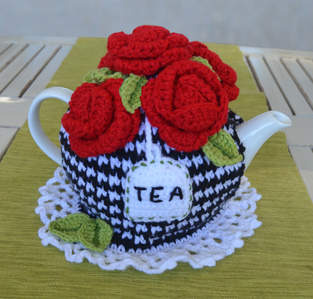 Makerist - 5 Red Roses Tea Cosy - 1