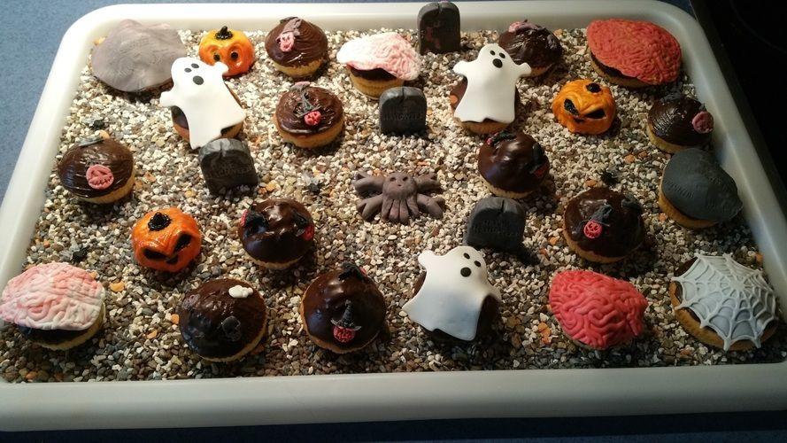 Makerist - Halloween Muffins - Torten, Cake Pops und Cupcakes - 1