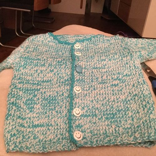Makerist - Fritzchen's warme Strickjacke aus warmer Wolle  - Strickprojekte - 2