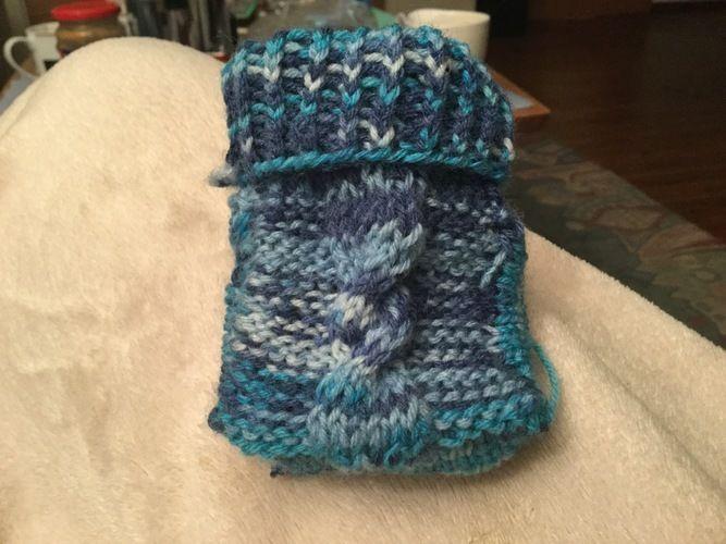 Makerist - Warme kleine Strickschuhe für Fritzchen aus warmer Wolle - Strickprojekte - 1