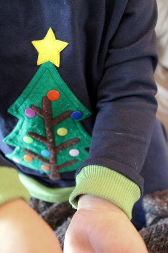 Makerist - BasicPulli mit Weihnachtsbaum-Applikation - Nähprojekte - 2