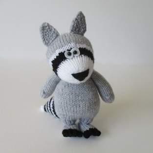 Makerist - Ricky the Raccoon - 1
