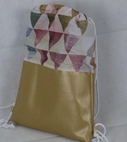 Makerist - Rucksack ** Dreiecke **  - Nähprojekte - 1