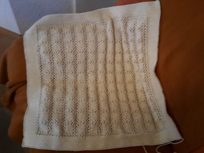 Makerist - Babydecke  - Strickprojekte - 1