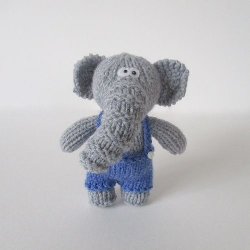 Makerist - Bobby the Elephant - Knitting Showcase - 1
