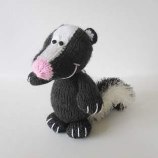Makerist - Cyril the Skunk - 1