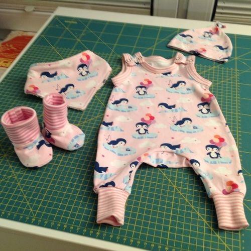 Makerist - Erstlingsausstattung für eine kleine Prinzessin und Resteverarbeitung! - Nähprojekte - 1