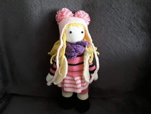 Makerist - lily rose, elle est faite en laine et en coton,elle est faite pour des enfants car les yeux sont sécuriser - 1