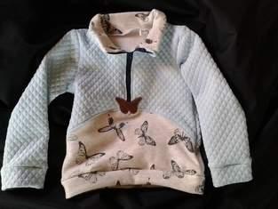 Makerist - Zipp Hoodie mit Schmetterlingen - 1