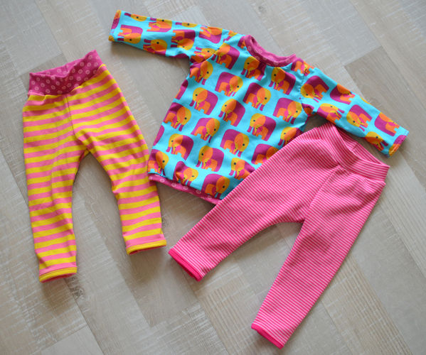 Makerist - Lustiges Fanti-Shirt mit Streifen-Leggings für meine kleine Nichte - Nähprojekte - 1