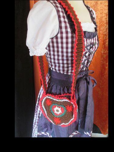 Makerist - Trachtentaschen zum Oktoberfest - Häkelprojekte - 1