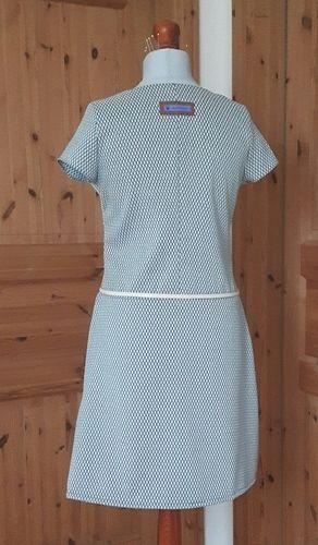 Makerist - Kleid aus Jacquard nach dem Schnitt Frau Fannie von Fritzi Schnittreif - Nähprojekte - 2