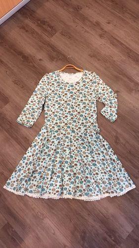 Makerist - Kleid mit Häkelborte - Nähprojekte - 1
