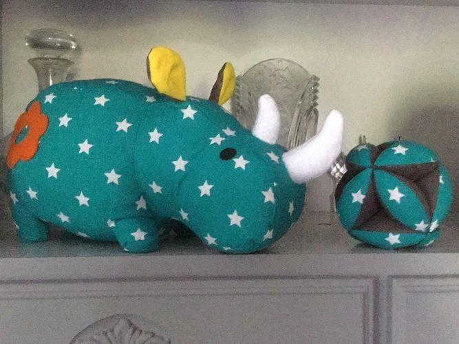 Makerist - Rhinocéros offerts à mes nièces et pour une naissance - Créations de couture - 3