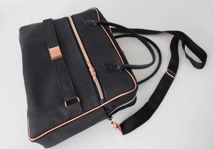 Makerist - Doctor's Bag Billy aus schwarzem Korkstoff und Kupferelementen - Nähprojekte - 1
