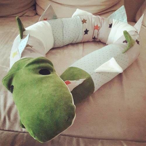 Makerist - Krokodil-Kissenrolle für Kinder/Babys  - Nähprojekte - 1