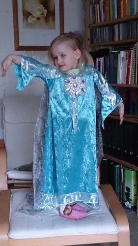 Makerist - Eine Eiskönigin für das Ruhrgebiet - Nähprojekte - 1