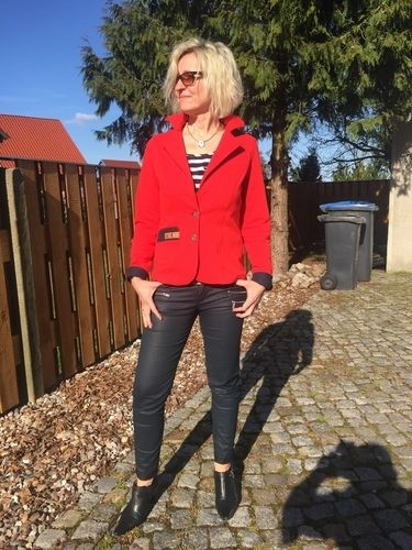 Makerist - Lady (Grace) in red - Nähprojekte - 2