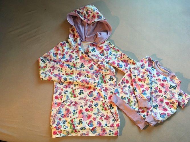 Makerist - Hoodie im Partnerlook aus Sweat mit frühlingshaften Schmetterlingen für mich und meine 2-jährige Tochter - Nähprojekte - 1