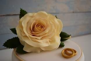 Makerist - Kleine Rosentorte zur Diamantenen Hochzeit  - 1