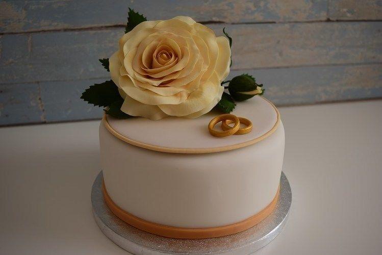 Makerist - Kleine Rosentorte zur Diamantenen Hochzeit  - Torten, Cake Pops und Cupcakes - 2