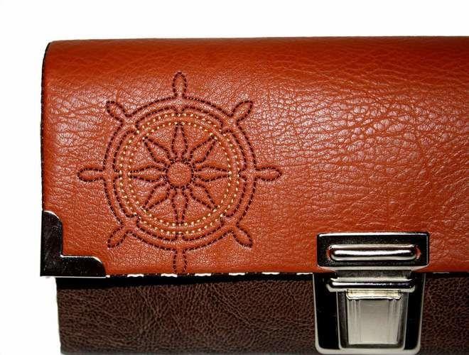 Makerist - Maritime Geldbörse Ruby mit gesticktem Steuerrad aus Kunstleder - Textilgestaltung - 2