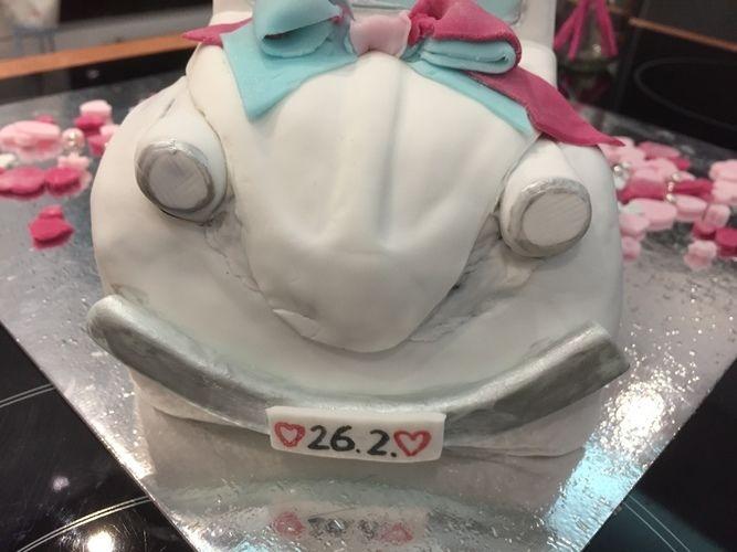 Makerist - VW Käfer-Buttercremetorte zum Hochzeitstag - Torten, Cake Pops und Cupcakes - 3