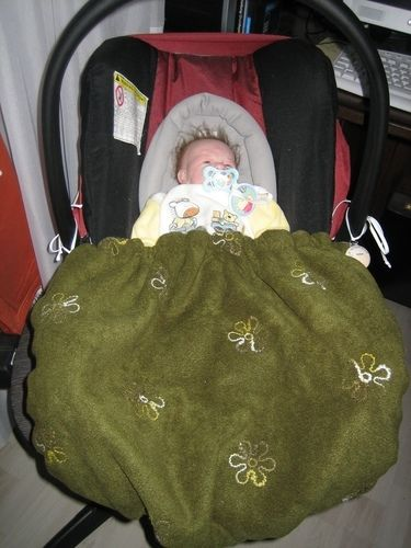 Makerist - Babyschalen Decke  und Kinderwagen Muff eigener Entwurf für meinen 1. Enkel  - Nähprojekte - 3