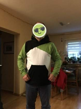 Makerist - Hoodie in Vereinsfarben - 1