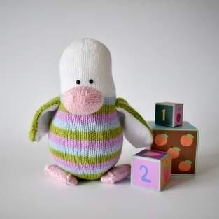 Makerist - Stripes the Penguin - 1